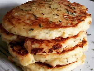 Pancakes rapides à la purée et mozzarrella