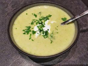 Soupe brocoli et chèvre frais au micro minute Tupperware