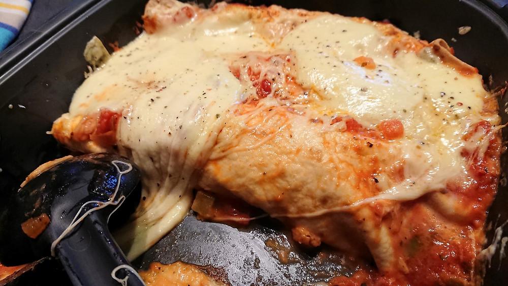 Enchiladas poulet mozzarella dans l'ultra pro