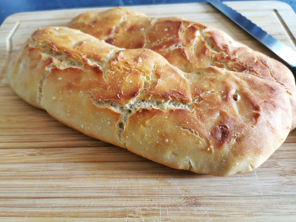 Baguette de pain en cocotte dans l'ultra pro Tupperware
