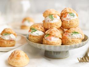 Choux salés farcis au saumon fumé et wasabi, recette Tupperware
