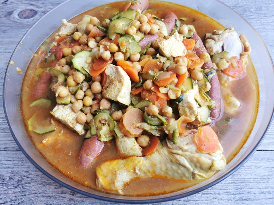 Couscous dans plat Clarence Tupperware