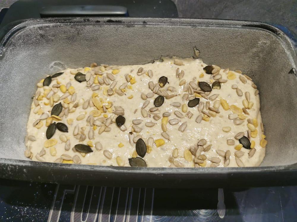 Pain avant cuisson dans la terrine ultra pro Tupperware