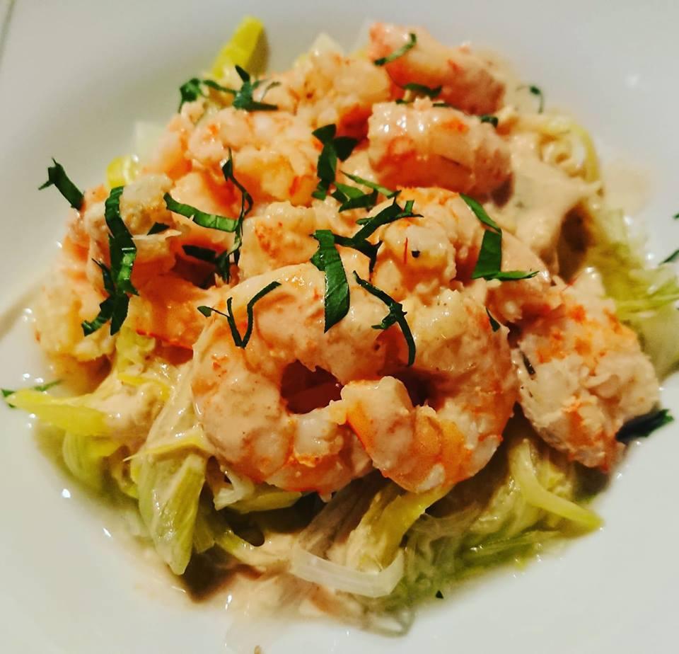 Crevettes en sauce sur lit de poireaux avec la cuisson vapeur du Micro vap ou micro Urban Tupperware