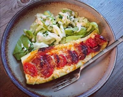 Barquettes de courgettes façon pizza au chorizo dans le micro pro grill Tupperware