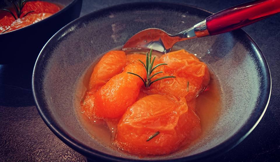 Abricots rôtis au miel et au romarin