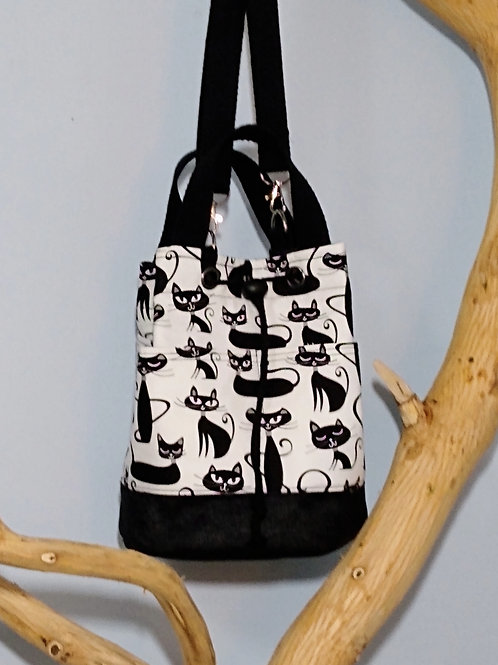 Kitty Bucket Bag