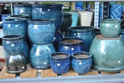 plain round pots