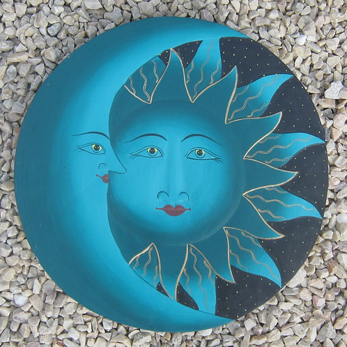 inwp-42532g - green painted sun-moon plaque