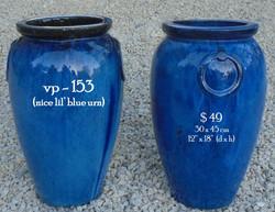 vp - 153  nice 'lil blue urn