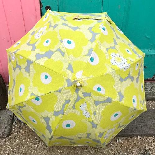 大きな黄色いお花の日傘