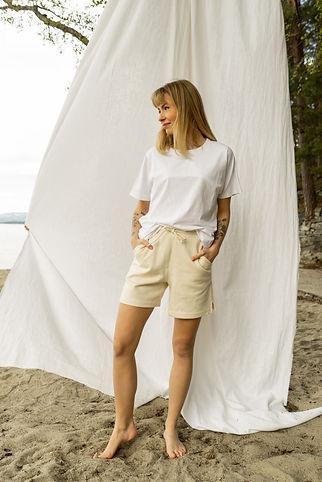 beige shorts2_2.jpg