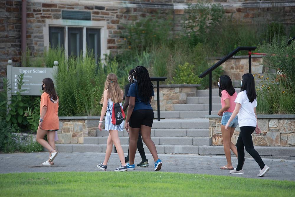 Freshmen get to know the Friends School campus