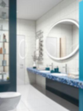 Овальное зеркало, синий цвет в туалете