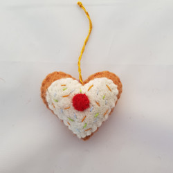 Gingerbread heart hanging   £4.00