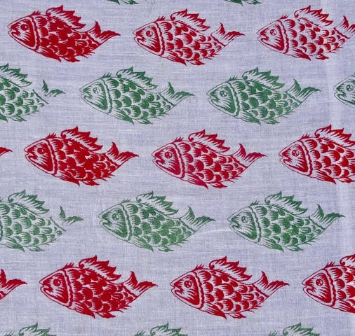 Red and green small fish £15 / 3m