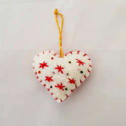White / red heart hanging  £3.00