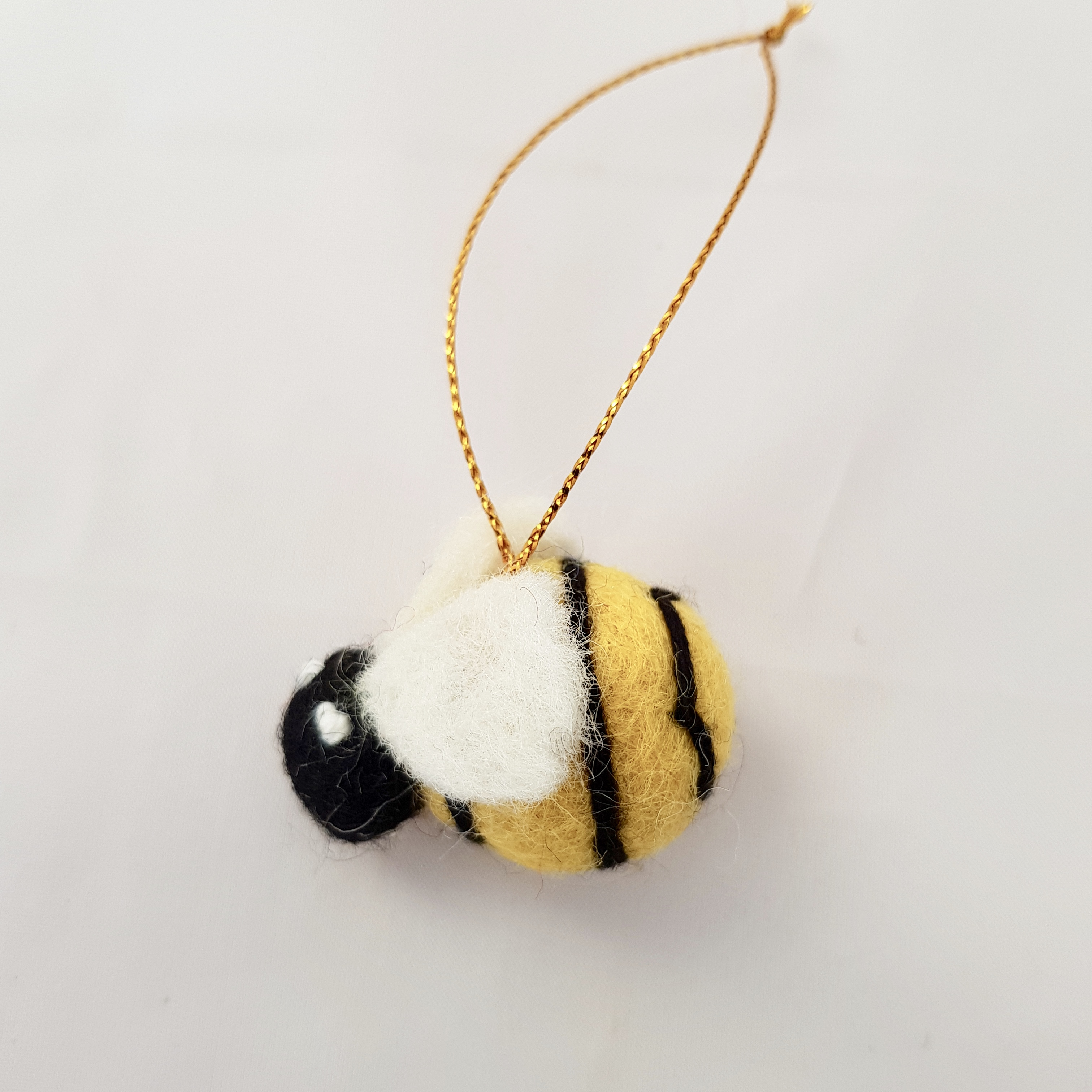 Bumble bee tree hanging.