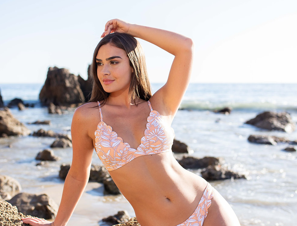 Ladies Triangle Top Scallop Coral Cuts With Matching Bikini Bottom