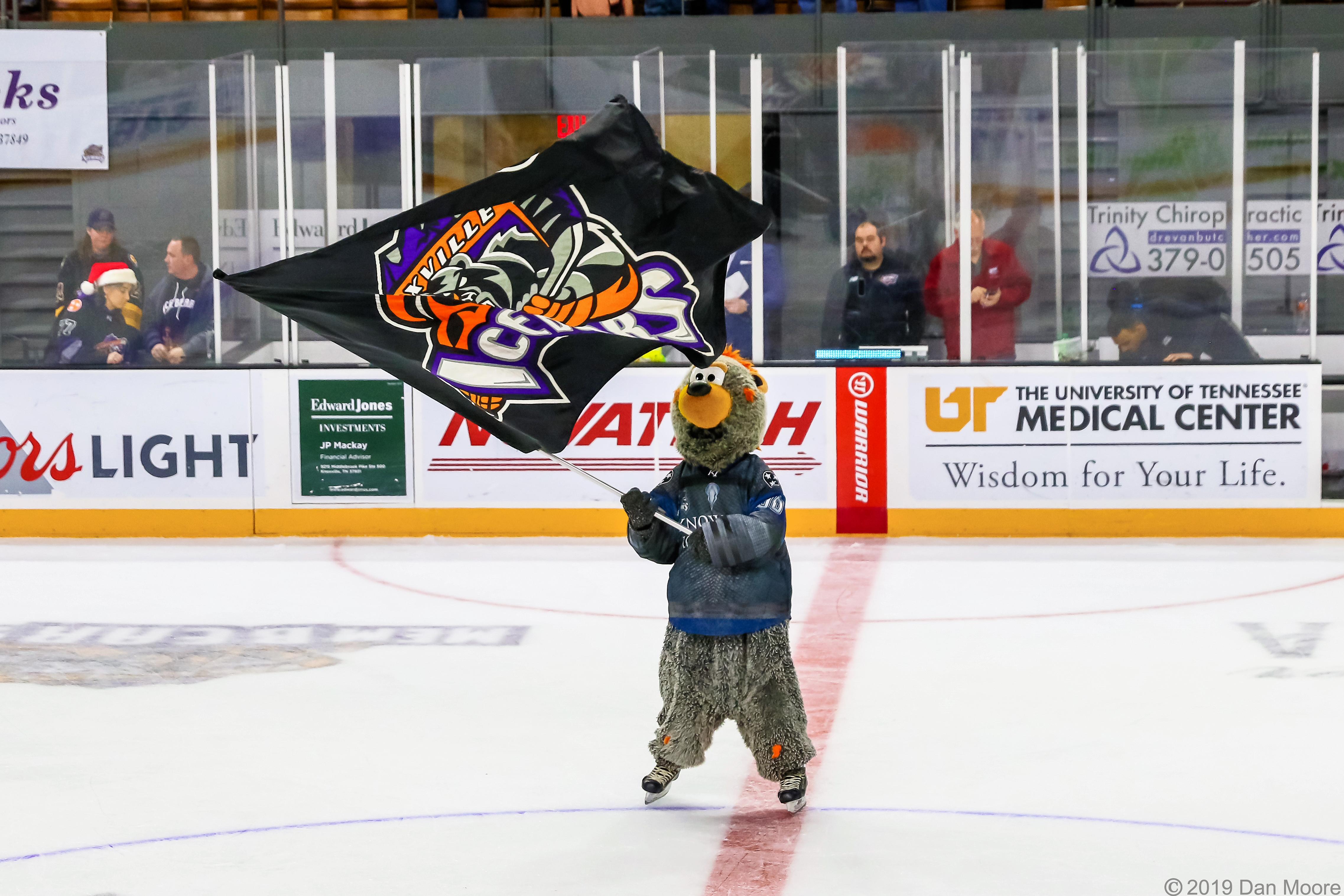 Ice Bears v Evansville 12-21-19-9693.jpg