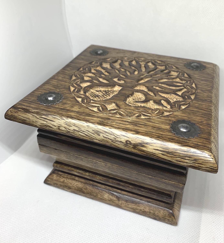 Thumbnail: Tree of Life Carver Wood Box