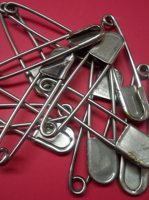 GIANT Safety Pins