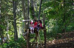 木の上でランチ!