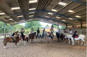 Poney club enfant monter cheval equitati