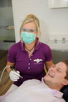 Parodonthaltherapie - Dr. Elvira Wenz