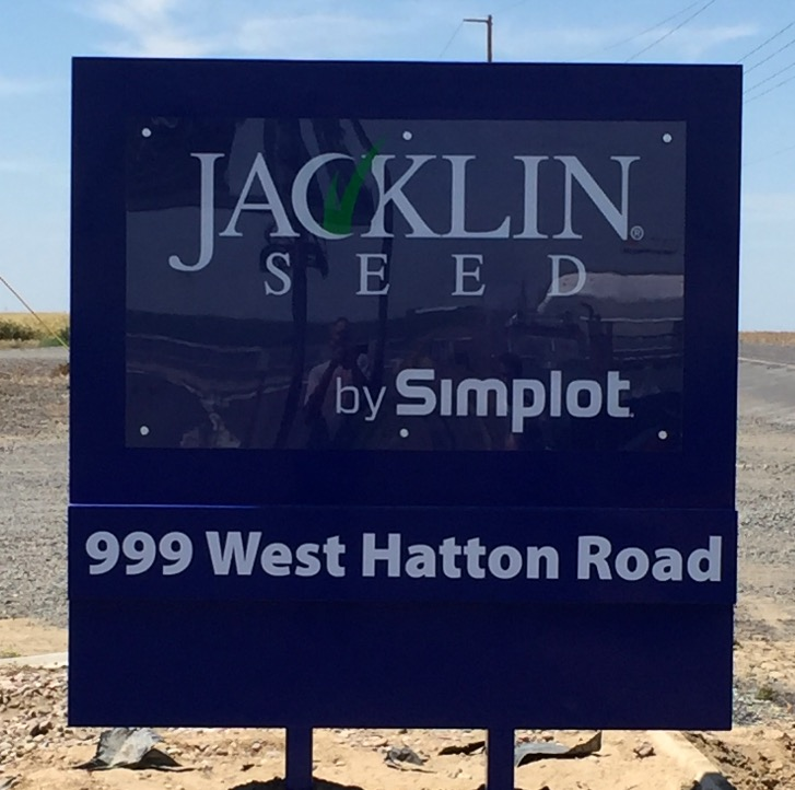Jacklin Seed Road Sign_edited.jpg