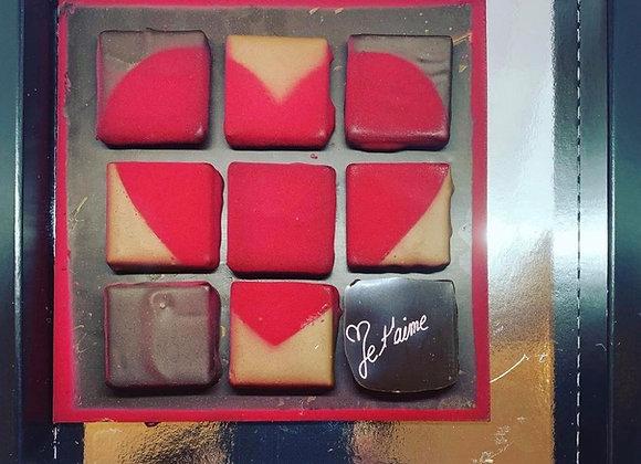 Tablette avec bonbon de chocolat cœur