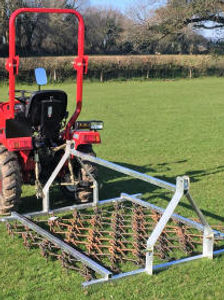 Chain grass harrow