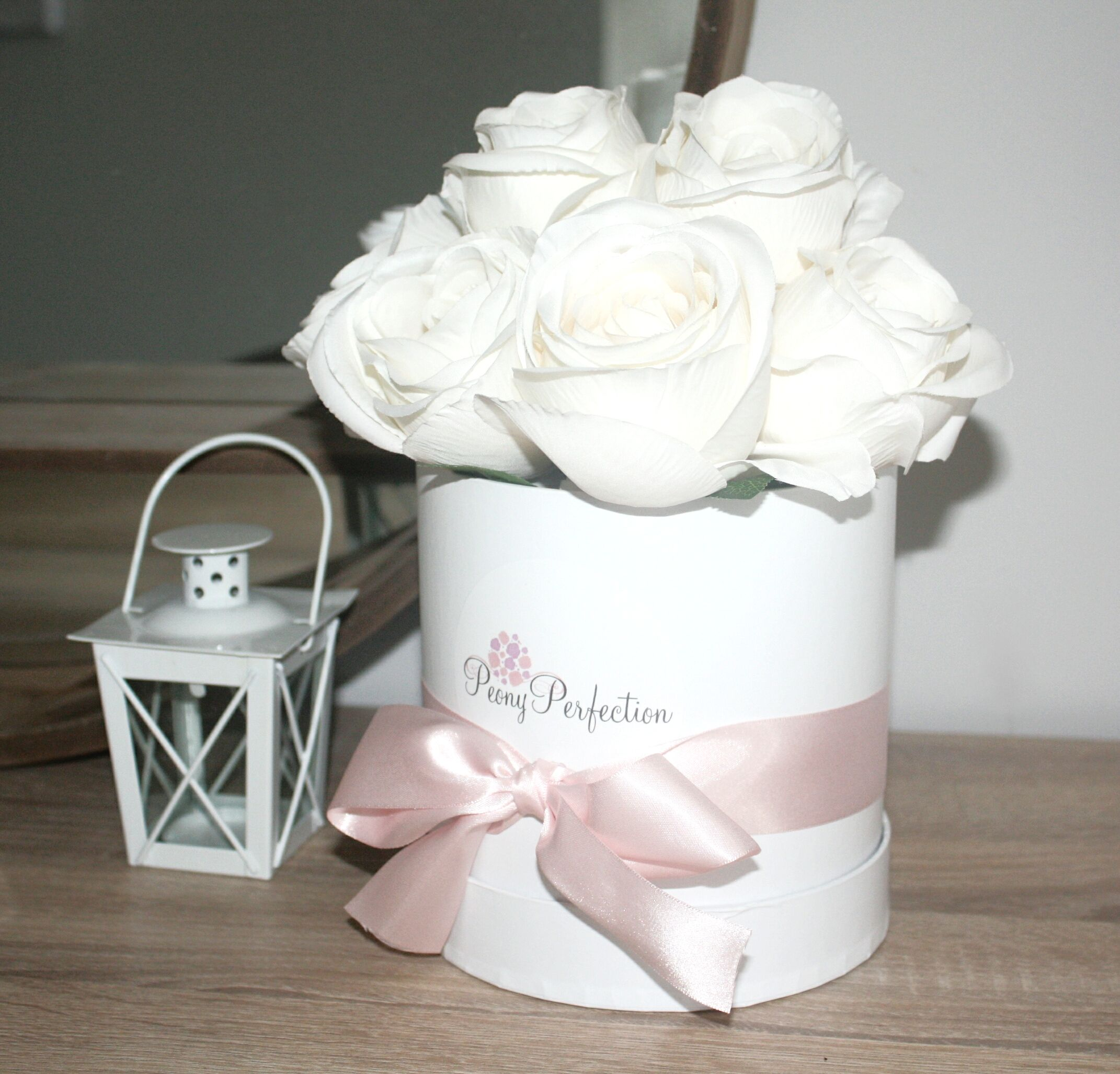 White Roses Flower Box