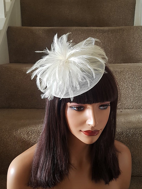 Ivory mini Fascinator clip with crystals 200023