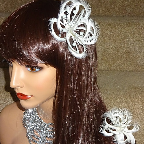 White & Silver Fascinator Flower comb & wrist corsage on elasticated bracelet