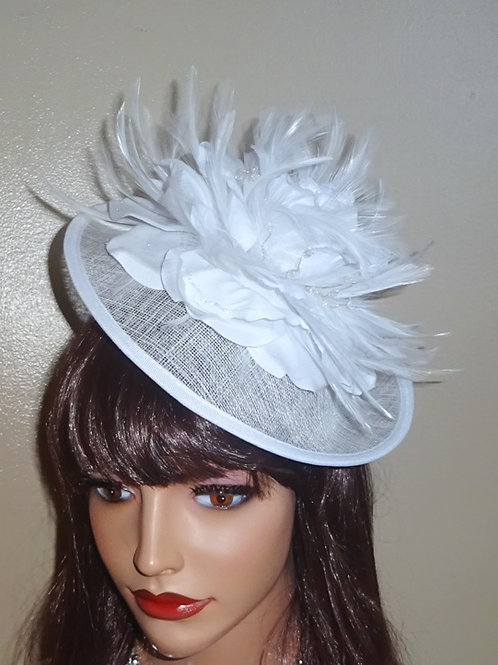 White Saucer Hat on band finished with a sparkle 6877787