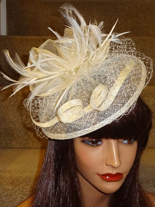 Ivory Cream Sinamay Fascinator Hat with veiling on Band 858687
