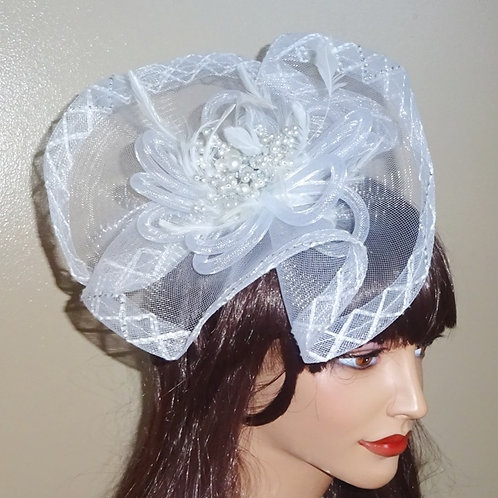 White Crin Fascinator on band 185576