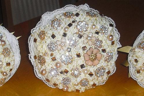 x3 Gold & Cream Brooch Bouquets