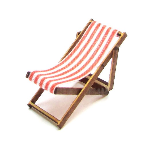 1/48th Scale Two Red Deckchairs Kit