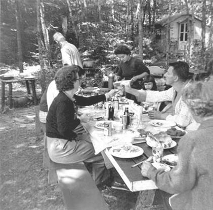 Picnic-Table-1_edited.png