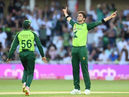 واقعی پاکستانی ٹیم کا کوئی جواب نہیں! انگلینڈ کی  نیشنل ٹیم کو پہلے ٹی ٹوئنٹی میں شکست دے دی