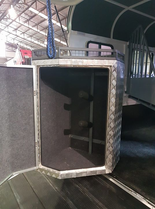 Large Lined Tack box