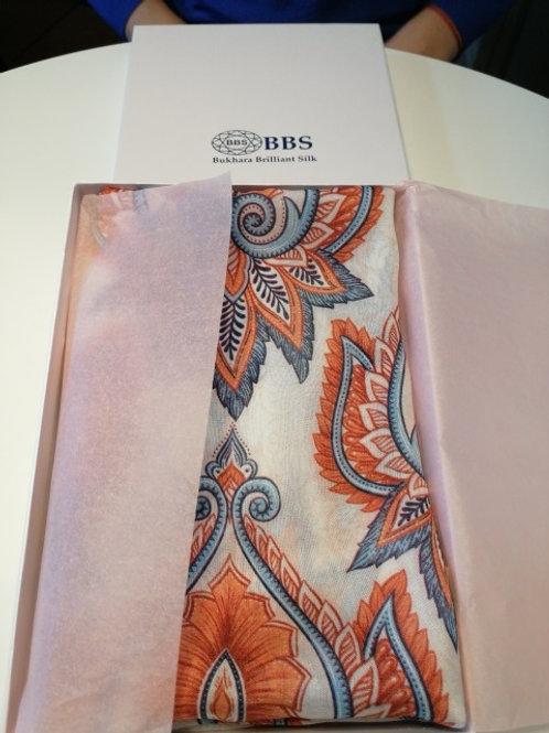 Шелковый шарф.