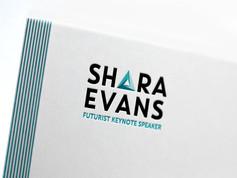 Shara Evans - Identité et Digital