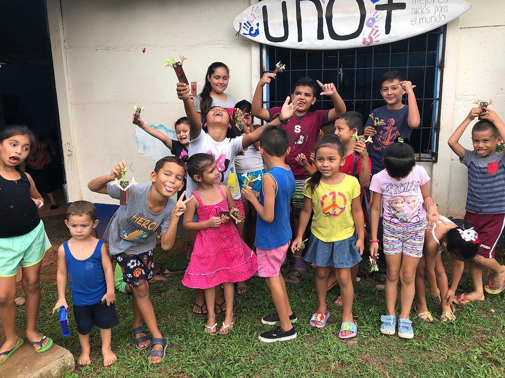 Die Kinder beim Projekt UNO+