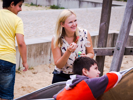 Ein Picknick mit Flüchtlingskindern aus aller Welt