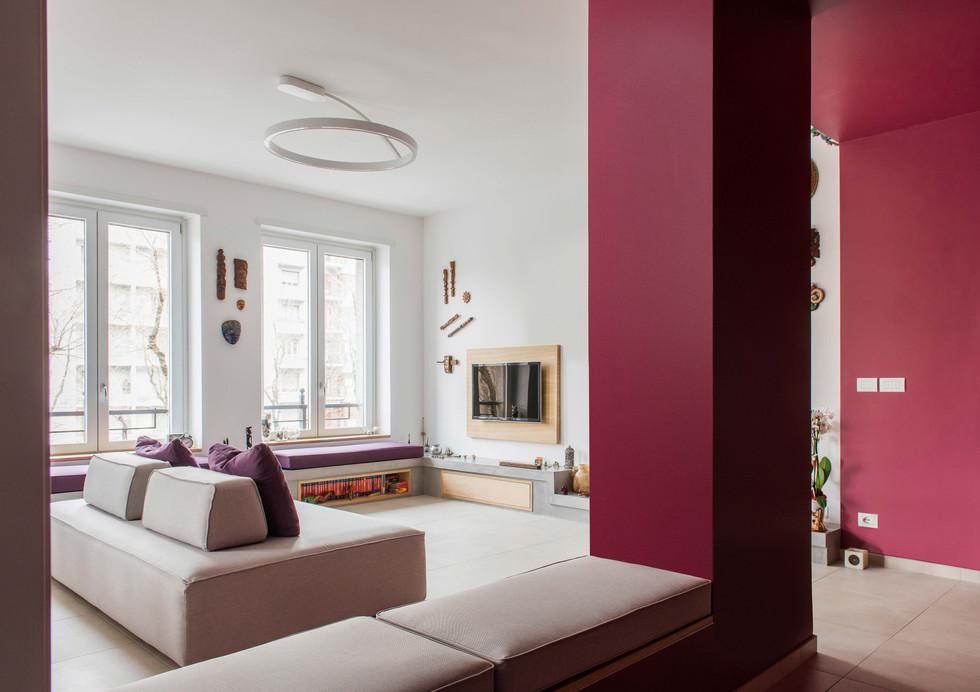 Ingresso (vista soggiorno) I Entrance (living area view)