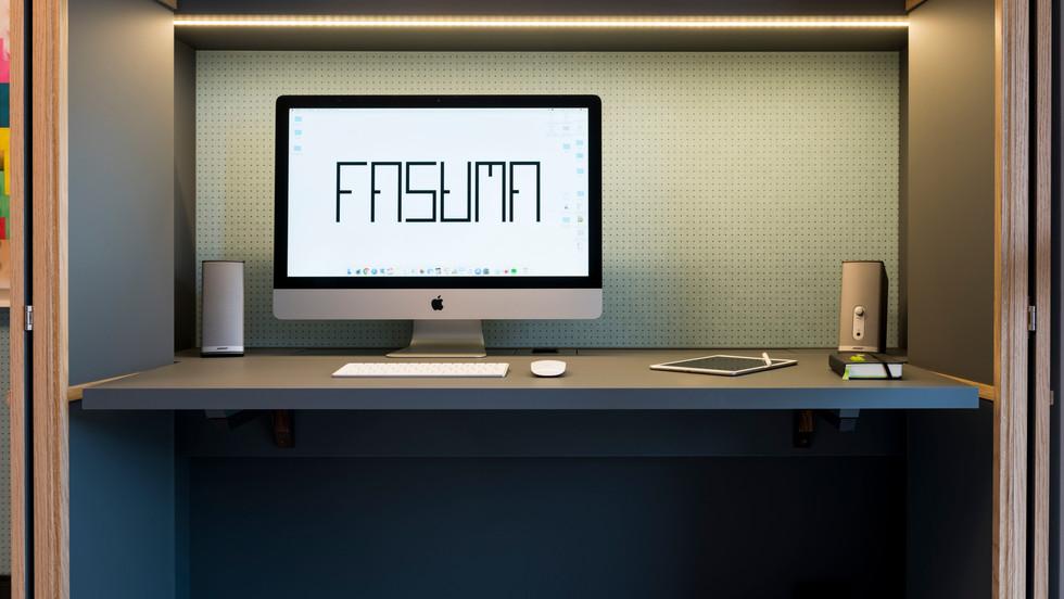 scrivania I desk