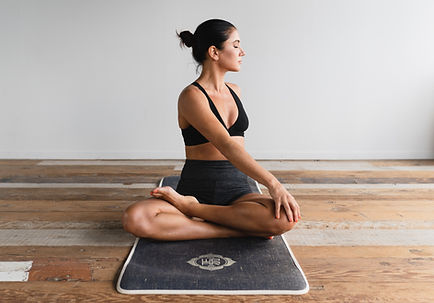 Solo yoga_edited.jpg